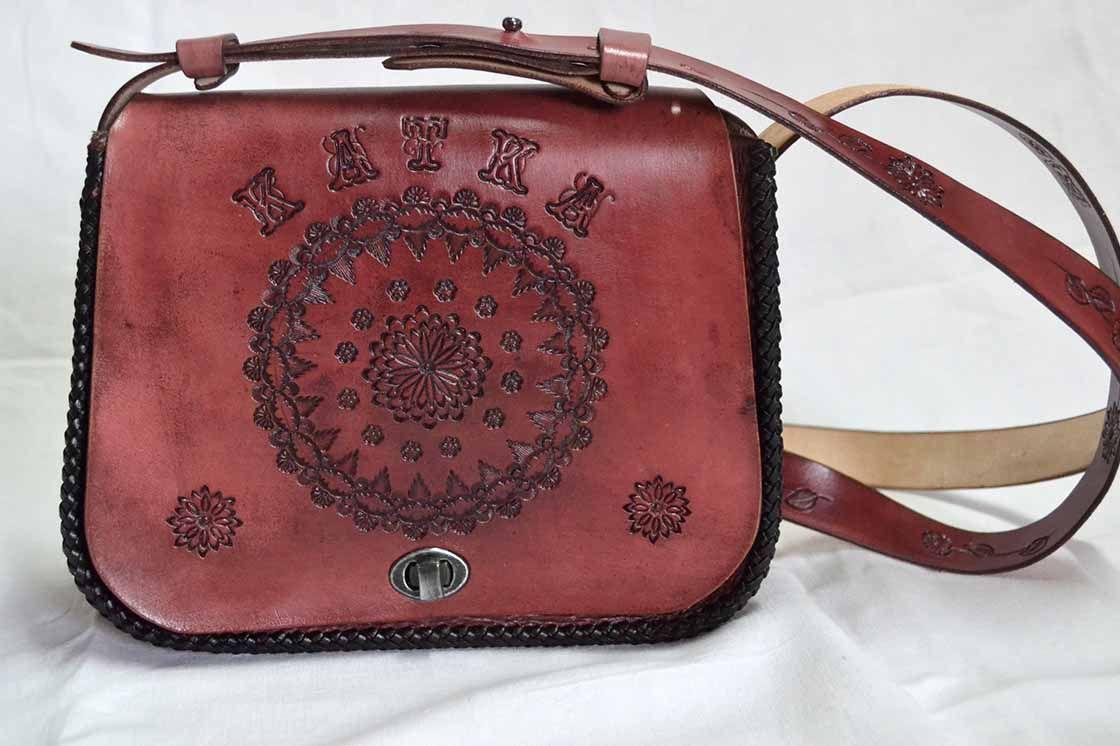 def142a51 Dámska kožená kabelka maľovaná 522 - Výrobky z kože - kožené výrobky ...