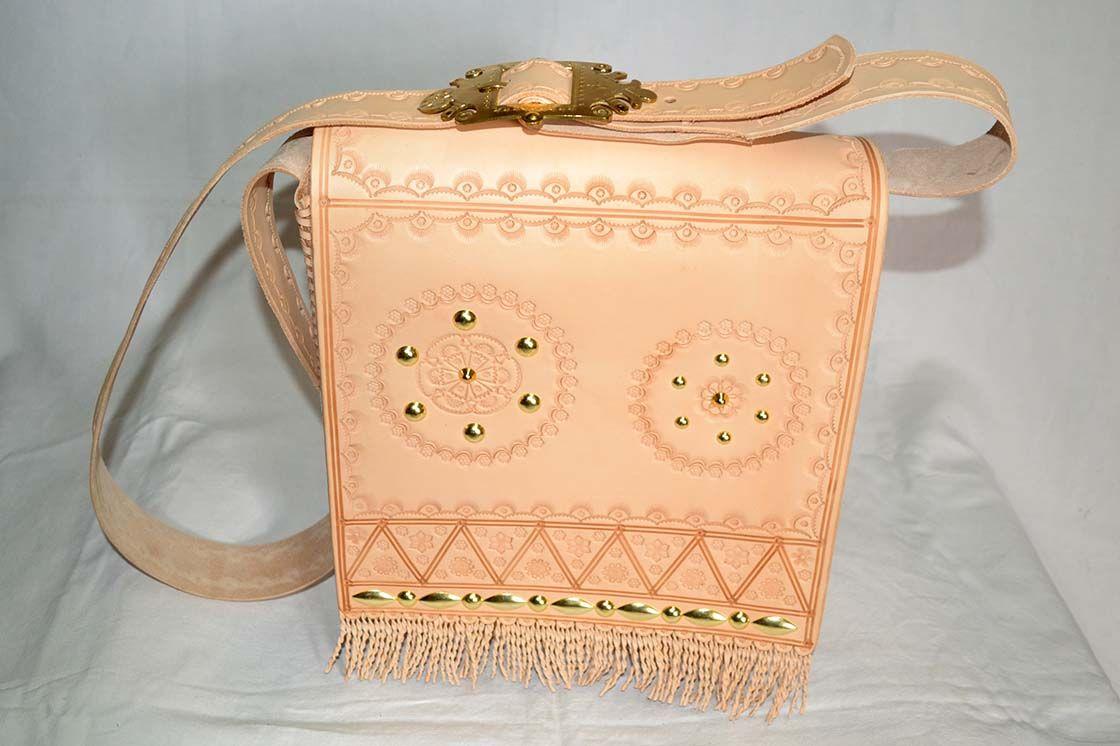Kožená ľudova kapsa vzor 479 - Výrobky z kože - kožené výrobky ... 921e5752dc3