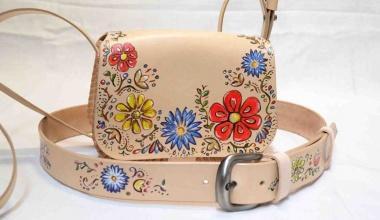 Kožené kabelky, kabely a kapsy